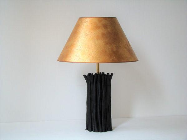 stolní lampa zlaté stínidlo